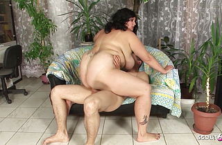 Extremely Fat Virgin BBW Teen First Time Fuck by Small Guy